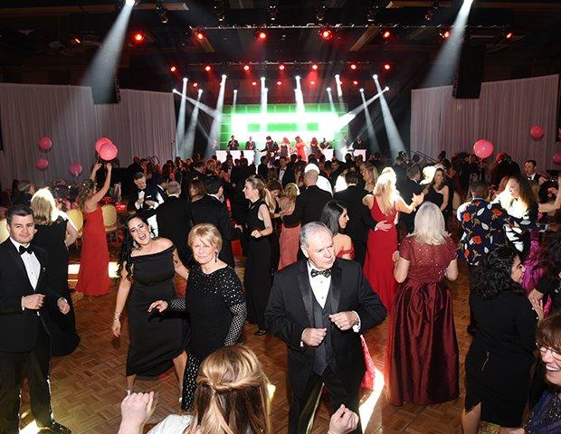 Guests dancing_01.png