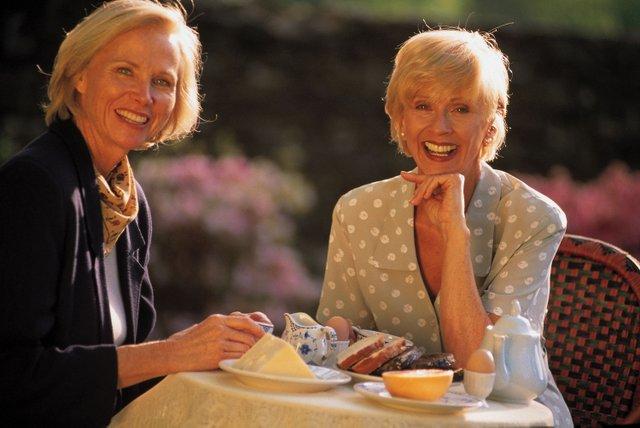 Ladies eating breakfast outdoors