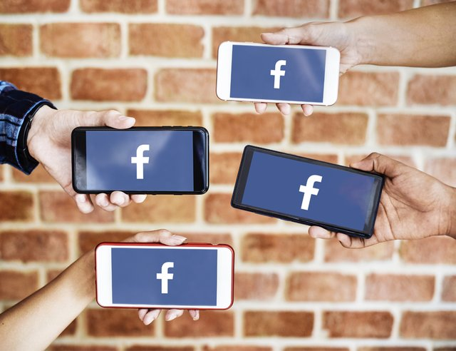 FacebookGroupsRelatingToYourProfession.png